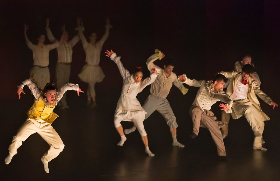 Hofesh Shechter, Clowns door NDT1, foto (c) Rob Kints