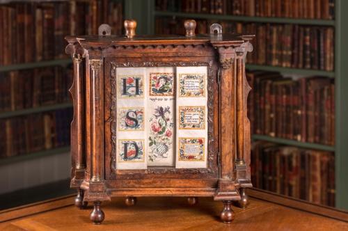 Kalender voor het tellen van de Omer, de 49 dagen tussen het Pesachfeest en het Wekenfeest uit de collectie van Ets Haim, geschreven en geïllustreerd in Amsterdam in het midden van de achttiende eeuw. Foto: Ardon Bar-Hama