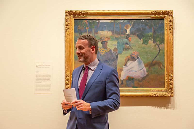 Inleiding door museumdirecteur Axel Rüger bij Gauguins <em>De mangobomen, Martinique</em> (foto auteur)