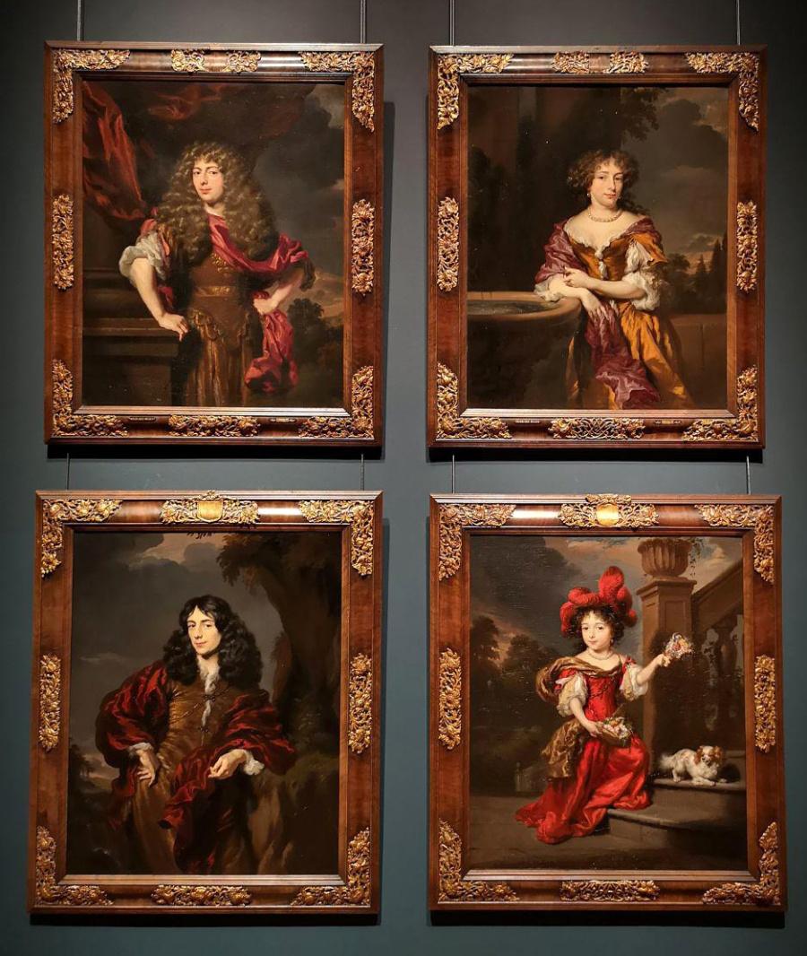 Vier portretten van de familie Van Alphen, rond 1677, voor het eerst herenigd