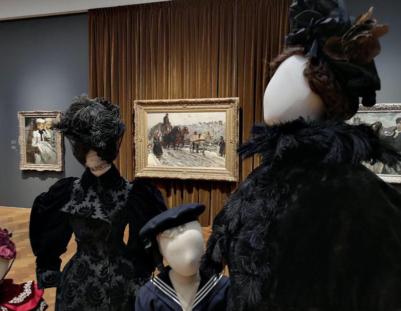 Na het zien van dit schilderij van Breitner (achtergrond) overwoog Israels de handdoek maar helemaal in de ring te gooien (foto auteur)